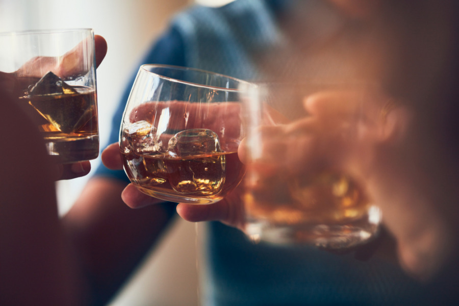 减肚腩脂肪方法 - 不要喝太多酒