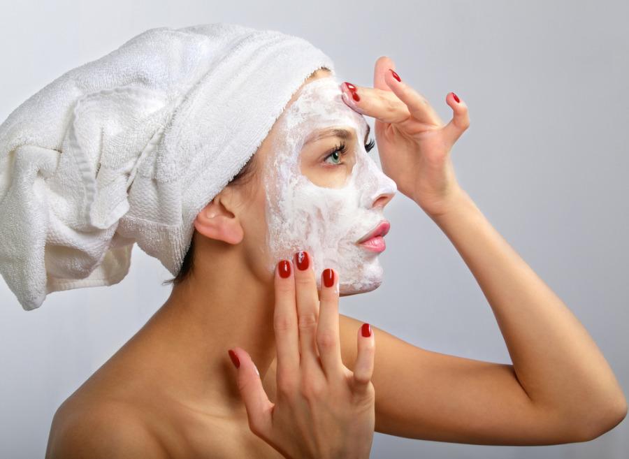 预防皮肤敏感 - 每天两次清洁脸部
