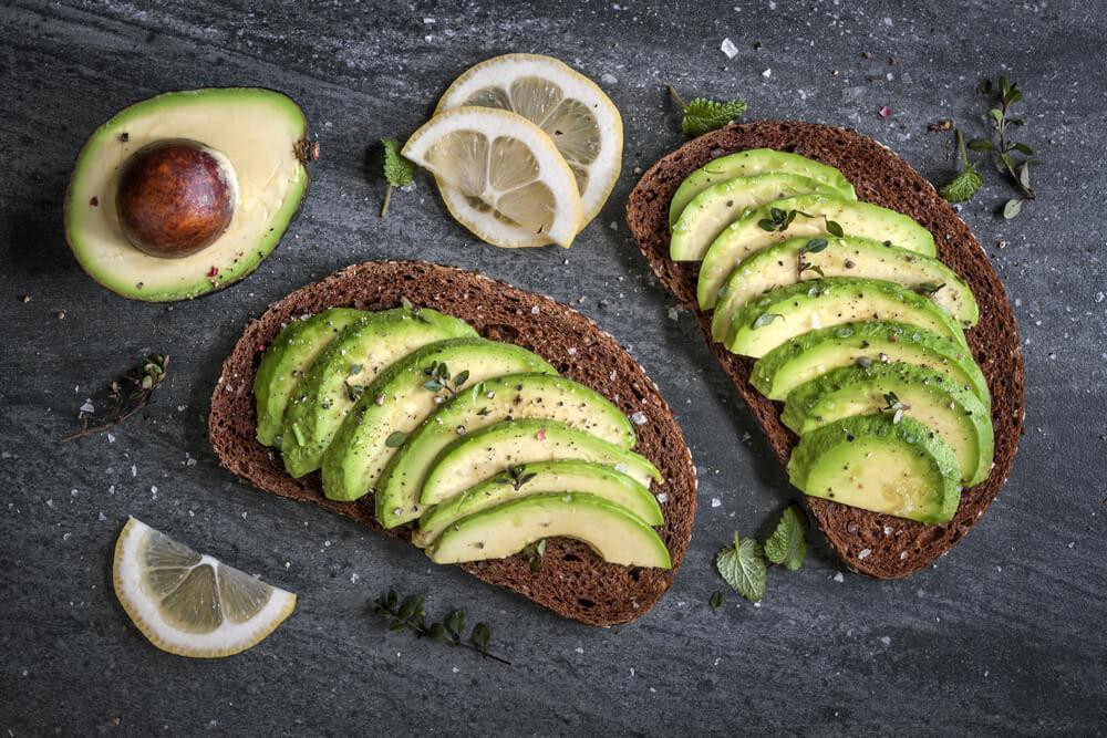 低碳饮食-低碳水化合物食物-牛油果