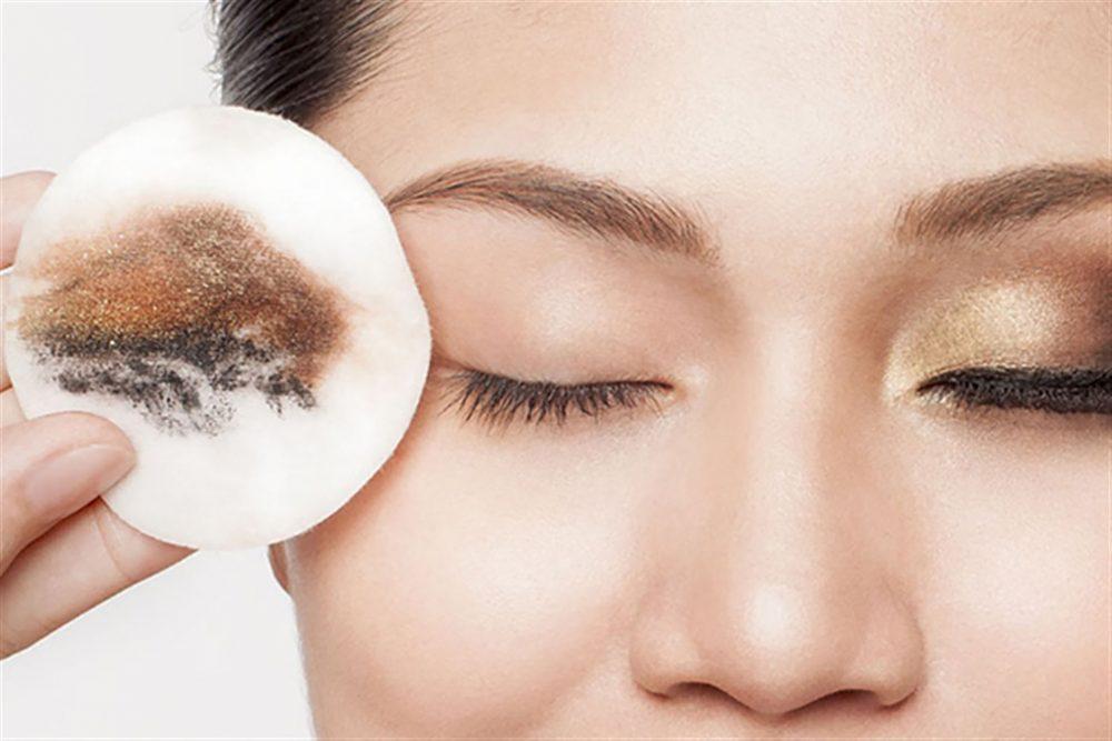 有效去黑眼圈方法-卸妆