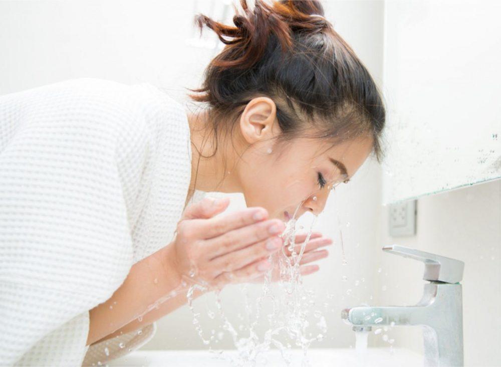 收细毛孔方法-洗面