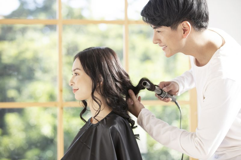 要面对产后脱发, 不妨改变自己的发型