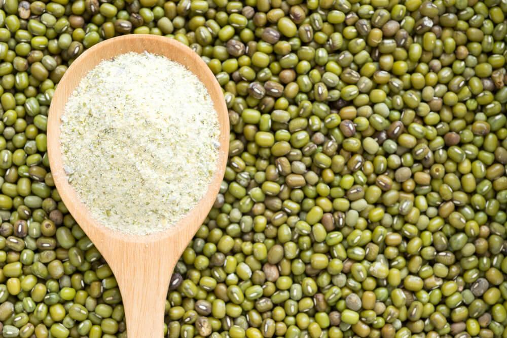 天然去暗疮方法-绿豆粉面膜