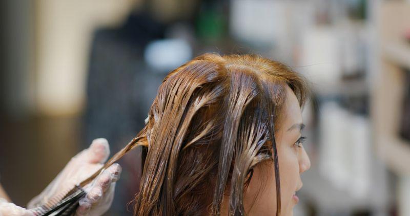 过度漂染头发