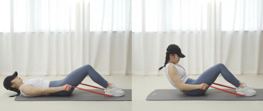 針對肚腩肥胖紋動作2. 仰臥屈腿卷腹