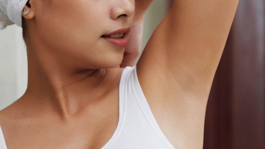 腋下美白步驟3. 滋潤肌膚